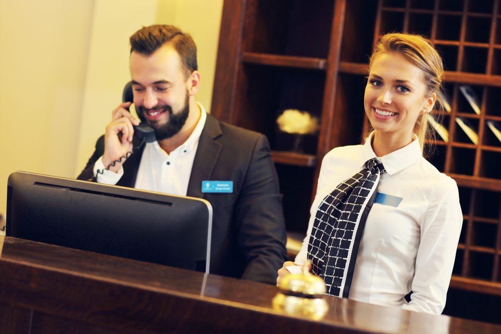 práce v Německu - recepční