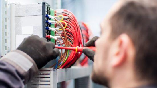 práce v německu elektrikář